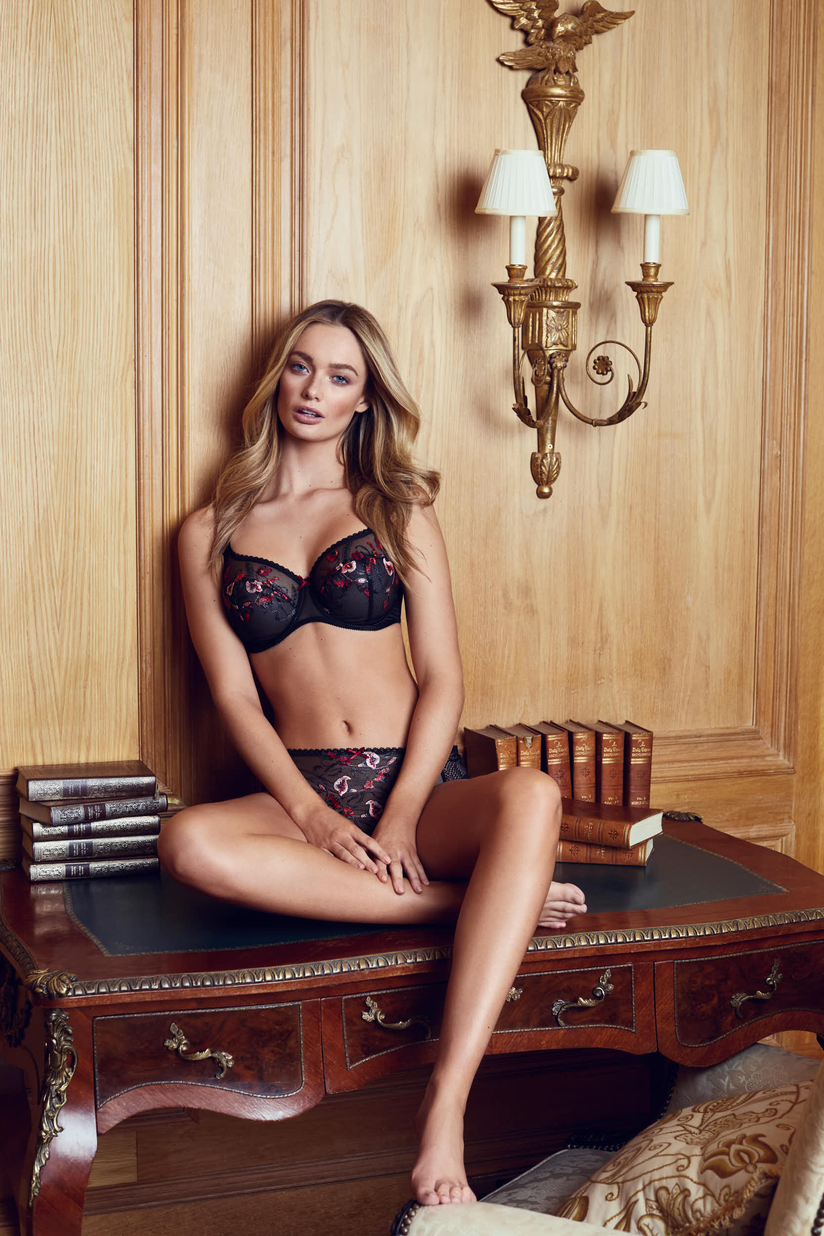 NC_BrownThomas_Lingerie_01_04